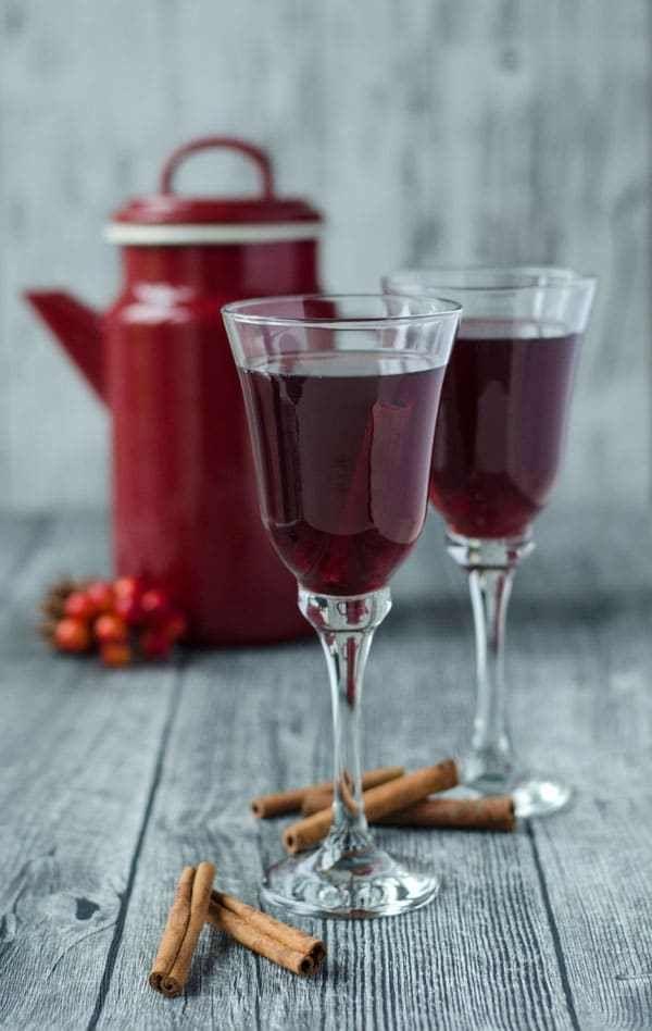 fruchtiger Winterpunsch. Ganz einfach gemacht und schmeckt einfach köstlich. Delicious winter punch. Recipe also in english!