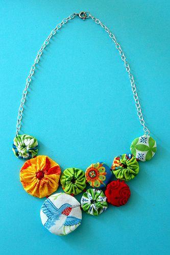Necklace DIY... http://www.hideousdreadfulstinky.com/2009/10/tutorial-and-giveaway-making-yo-yo.html