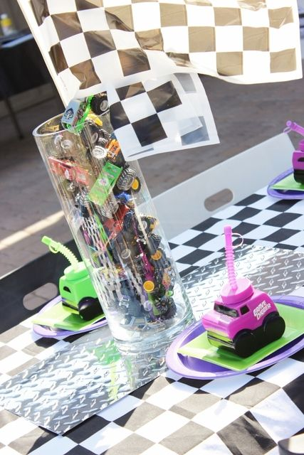 Table at a Monster Truck Party #monstertruck #party