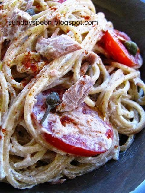 Whole-grain pasta with tuna and yoghurt sauce / Σπαγγέτι ολικής άλεσης με τόνο και σάλτσα γιαουρτιού χωρίς βράσιμο