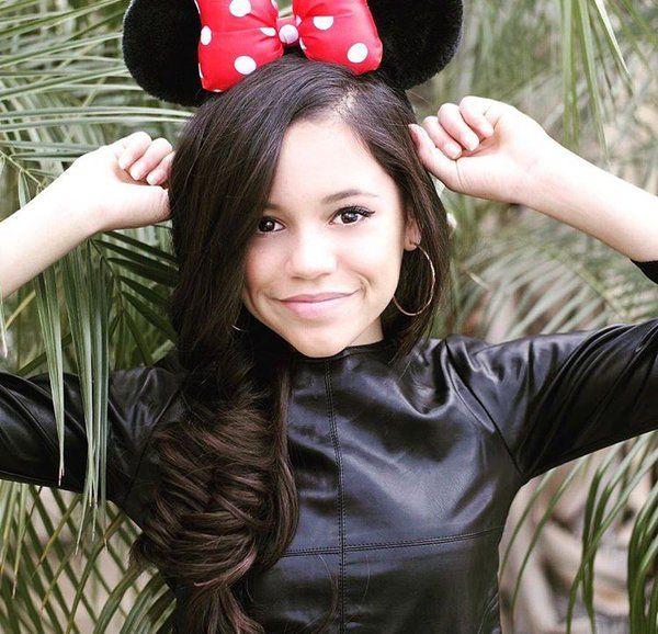 Hi I'm Jenna! I'm 13 and single. My best friends are Mad Dog ,Mia and Jaycee! I play Catcher and Right Field!