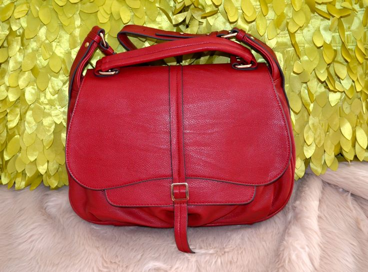 Classic Style Bag in Soft Leather -- $98.00 + postage (RRP: $189.95) * Accepts PAYPAL Payment