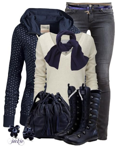 Casual Blue Winter Outfit Idea