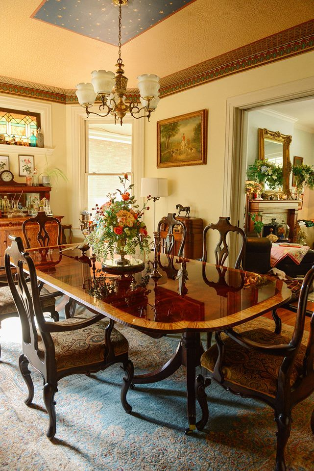 Pin By The Wisteria House On Decor Rustic Victorian Farmhouse Christmas Victorian Decor Decor Traditional Dining Rooms