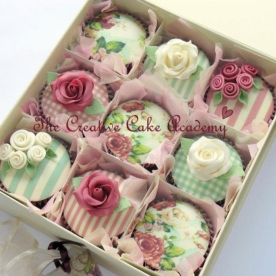 Floral and Gingham Cupcakes