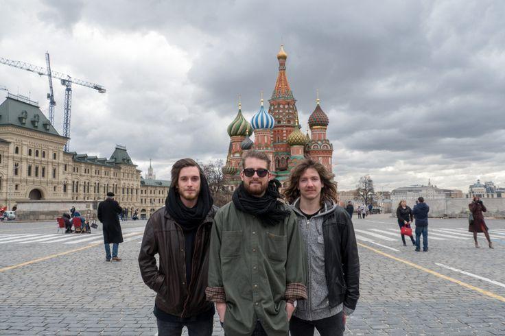 The Makemakes waren in Russland und Polen und trafen dort die jeweilige Landes-Teilnehmerinnen. --- http://www.eurovision-austria.com/de/the-makemakes-in-russland-und-polen/ ---------------------------------- #esc #vienna #BuildingBridges #eurovision #Austria #Polen #Russland #TheMakemakes #PolinaGagarina #MonikaKuszyńska ---------------------------------- Mehr Eurovision-News auf: http://www.eurovision-austria.com/