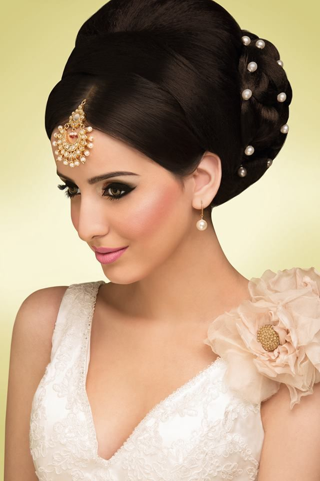 indian wedding hairstyle gallery%0A Indian bridal updo minus the pearls