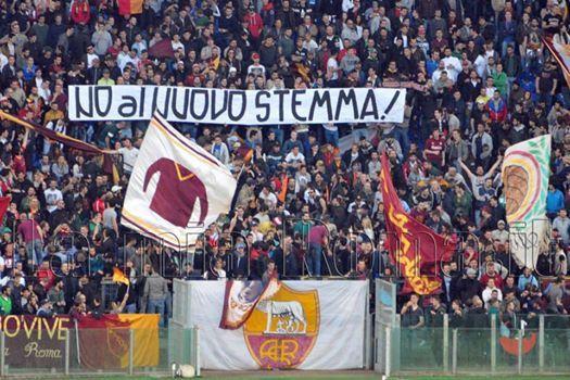 AS ROMA vs Parma (2013/2014) Curva Sud - No al nuovo Stemma!