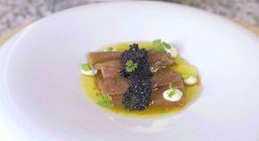 Atún rojo con vinagreta y mayonesa de wasabi