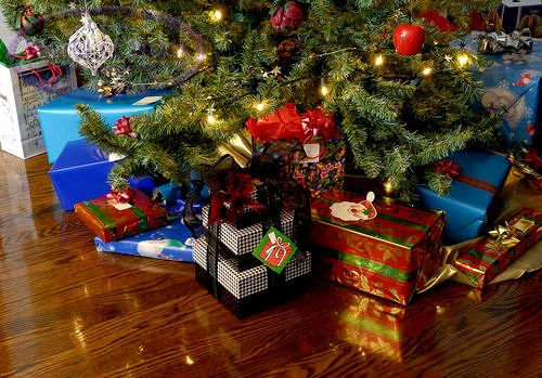 christmas presents under the tree | gifts under christmas tree christmas presents under the
