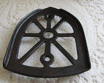 Sadiron Trivet Antique Metal Iron Stands Industrial Salvage Rustic Farmhouse Vintage and Antique Kitchen Decor Laundry Room