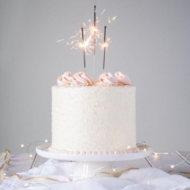 Dieser rosa Champagnerkuchen ist der perfekte Weg, um jeden Anlass oder Feiertag zu feiern …   – Cakes