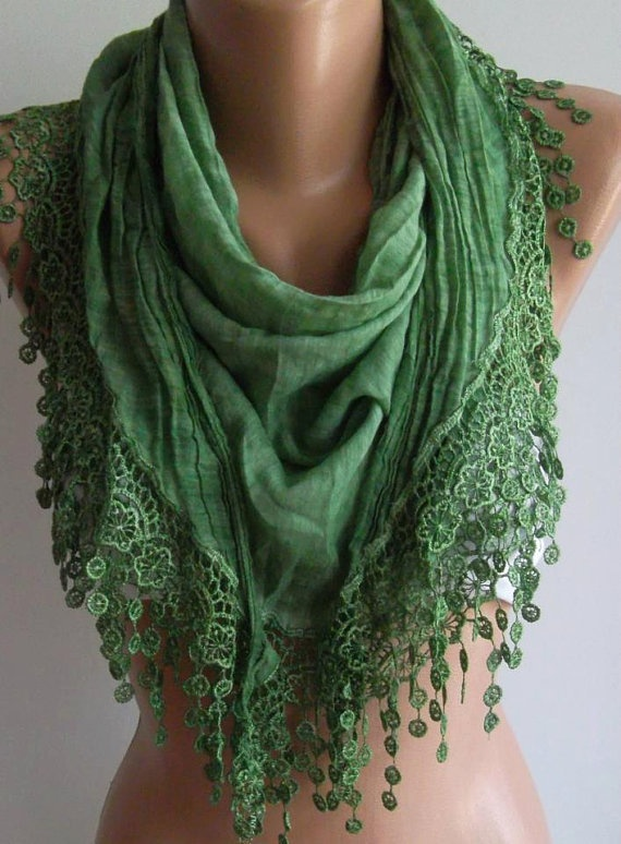 Green  / Elegance  Shawl / Scarf with Lacy Edge / soft and light