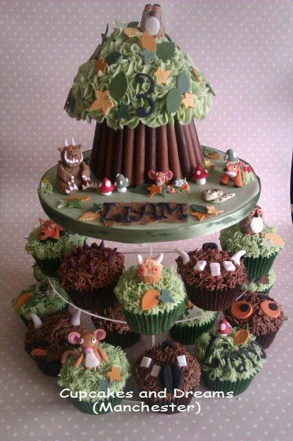 Gruffalo  -very detailed but love the cupcakes around the bottom idea (in pink for jazzy)