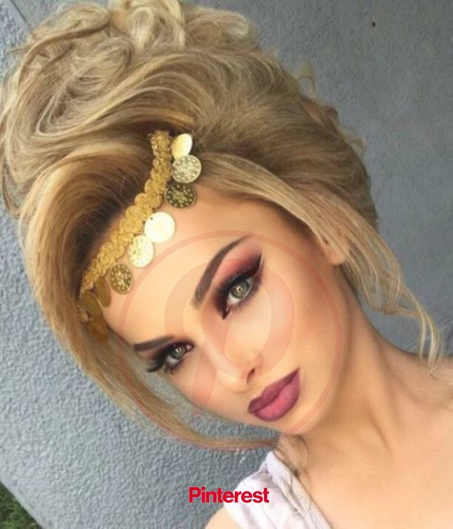 Red Lip Fantasy Beauty Hair Makeup Wedding Hairstyles For Long Hair Wedding Makeup Looks Nails Nailar In 2020 Frisur Hochzeit Albanische Hochzeit Haar Und Beauty