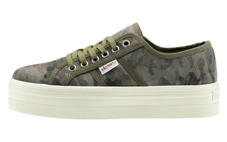 Victoria Blucher Prezzo: €52,00 Shop online www.aw-lab.com/shop/brand/victoria/victoria-blucher-5890016