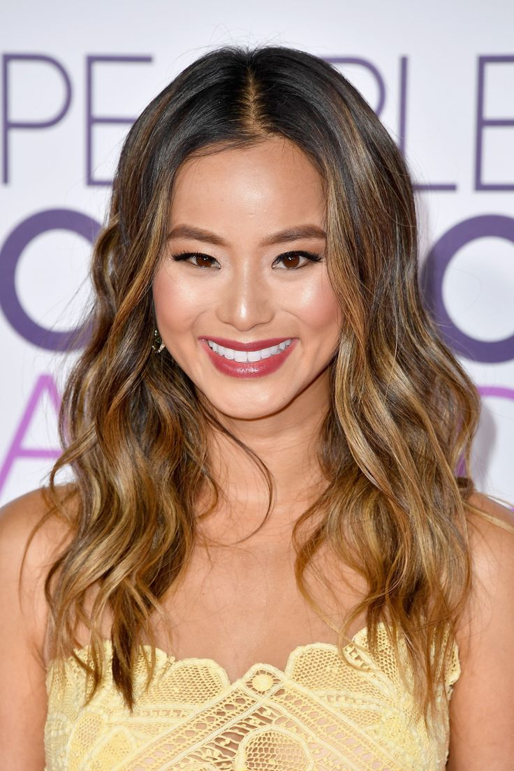 Jamie Chung Nails the Cali-Cool Waves You Keep Attempting With Your Curling Iron