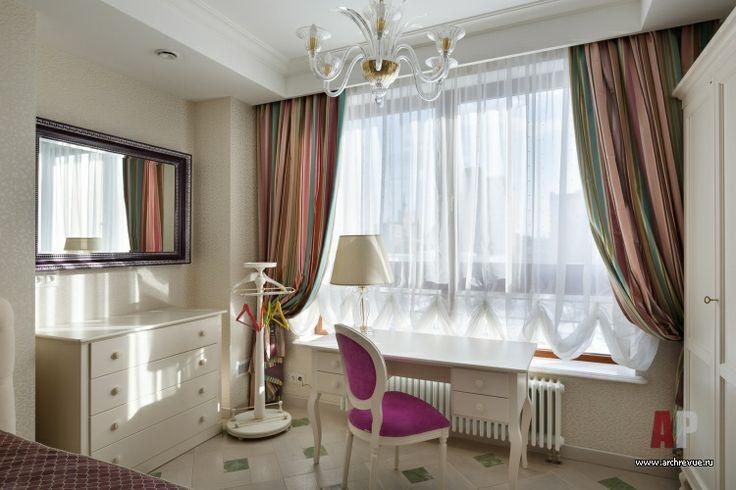 Белая квартира в стиле неоклассика