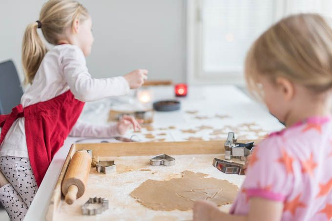Christmastime and baking with kids | Tohkeissaan