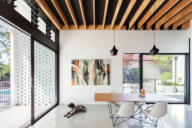 Turramurra House by Noxon Giffen | exposed joists