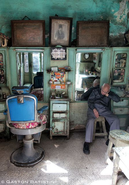 Sorry, but if you want to have a haircut, you will come back after the siesta, bab Zweila, Cairo, Egypt