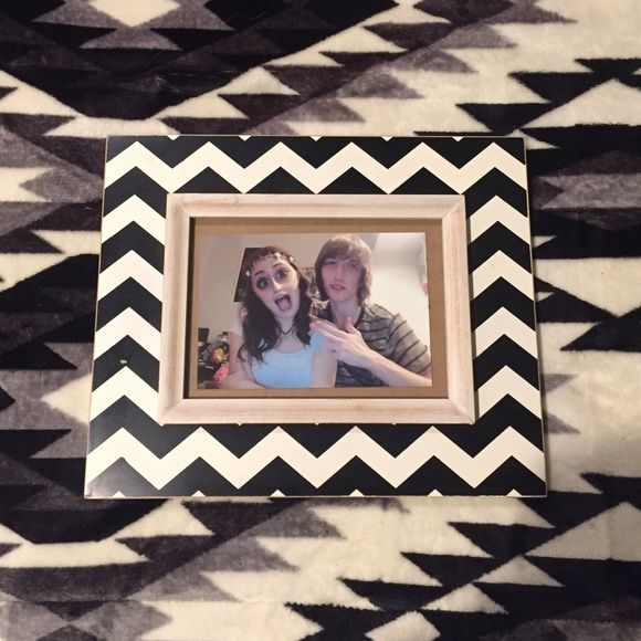 I just discovered this while shopping on Poshmark: Hobby Lobby Chevron Picture Frame. Check it out!  Size: OS