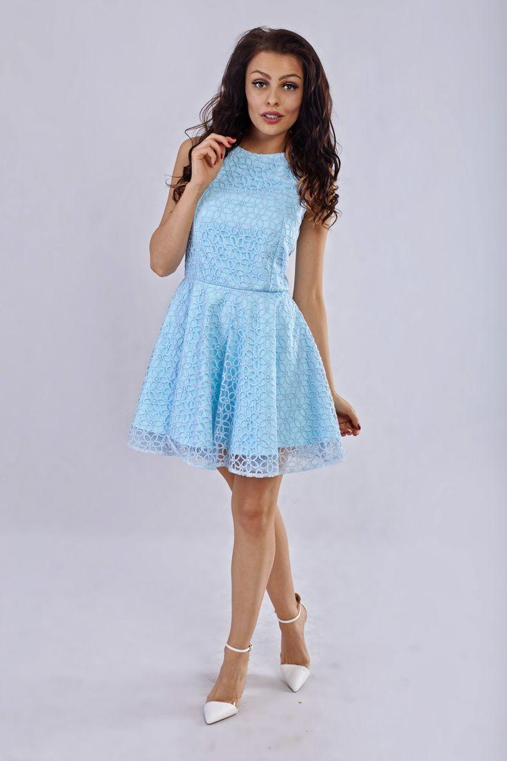 Subtelna koronkowa sukienka