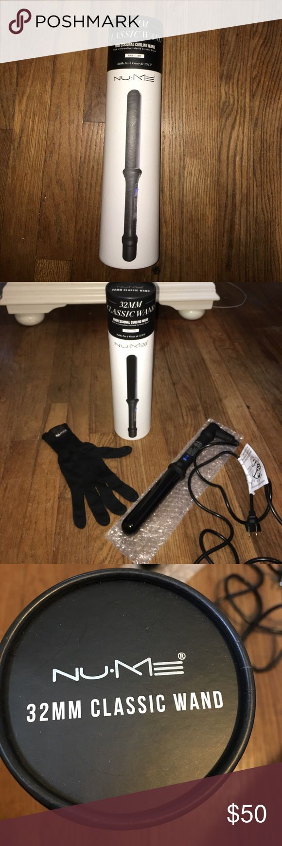 32MM Nume curling wand Gently used black Nume curling wand, tourmaline-infused ceramic barrel, and come with glove. Accessories Hair Accessories