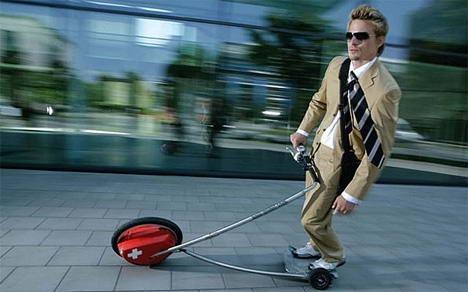 10. Kendaraan Segway,  kendaraan dg konsep futuristik. Meskipun hanya berjalan sekitar 12mph & butuh waktu sekitar satu jam utk diisi ulang