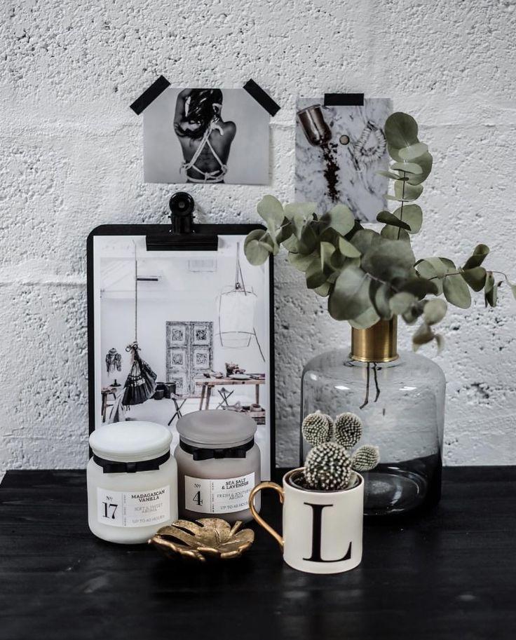 les 84 meilleures images du tableau vases soliflores fleurs sur pinterest clem deco. Black Bedroom Furniture Sets. Home Design Ideas