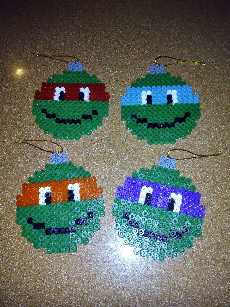 Bolas de navidad en hama midi, tema tortugas ninjas