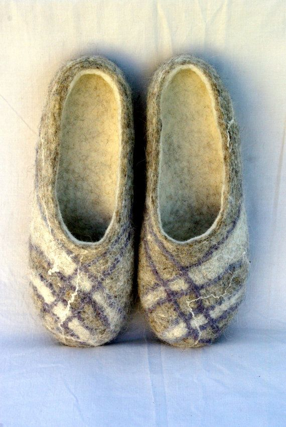 Ecological Handmade Woollen Felt Slippers Men Size UK 8 / US 9 from natural sheep wool with leather soles