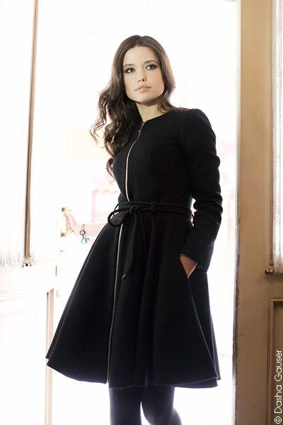 Dasha Gauser black coat-dress with a zipper. Material: Silk and wool.