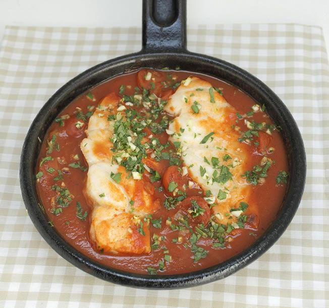 Fish in Tomato : The Healthy Chef – Teresa Cutter