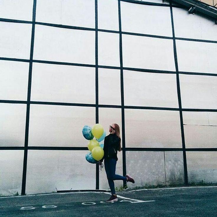 Ярких выходных, друзья! Riota.ru - воздушные шары, доставка шаров, оформление шарами, оформление шарами москва, оформление свадьбы, оформление дня рождения, декор, свадьба, день рождения, выписка из роддома, доставка шаров москва, романтический сюрприз, шары москва, шары с гелием, воздушные шарики, шары подпотолок, шарики москва, шарики с гелием