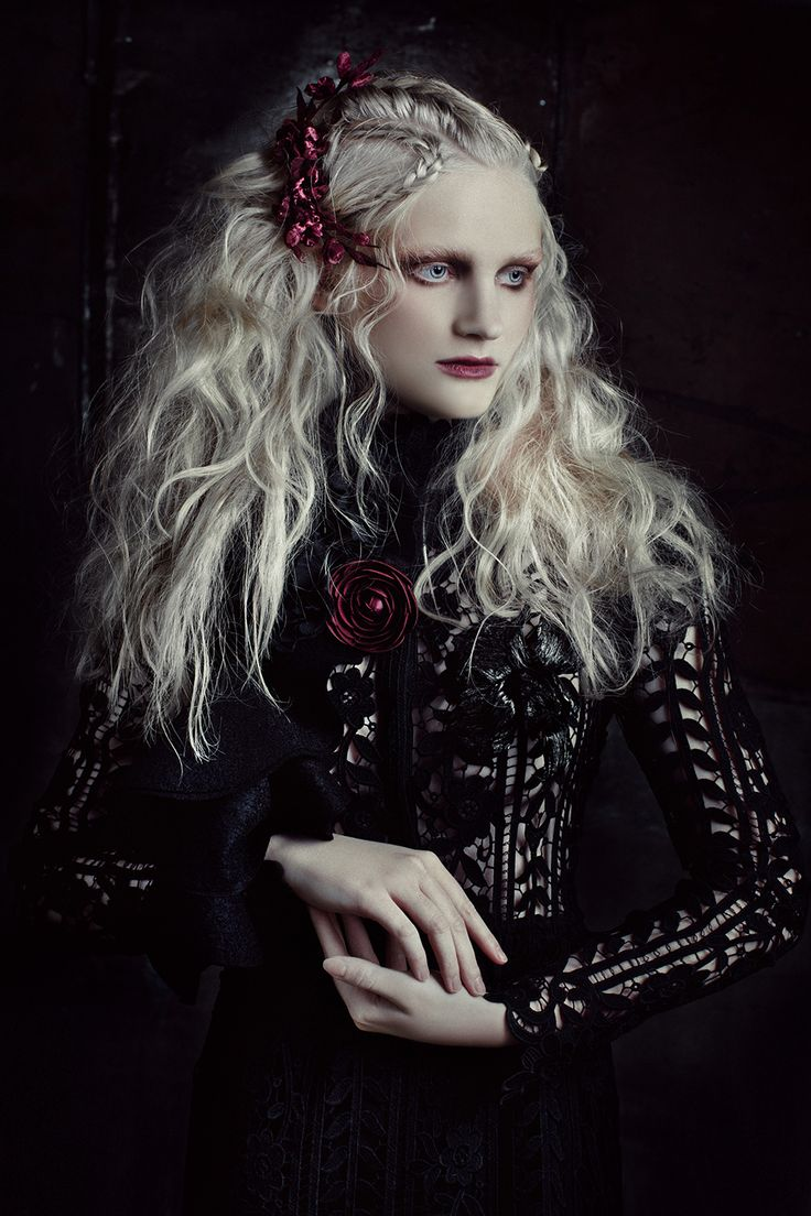 Campaign for FlowerMe.rustyle - Gala Borzovamake-up and hair - Lena Yasenkovaphotography - Ekaterina Belinskaya