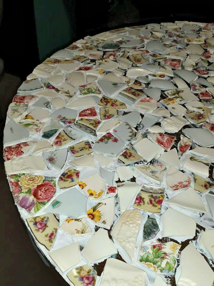 How To Make A Mosaic Table Made From, How To Make A Mosaic Table Top With Broken China