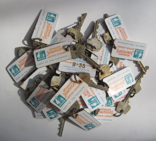 Huge Lot of 38 Vintage 1950s 60s Howard Johnson Hotel Keys Fobs Hojo | eBay