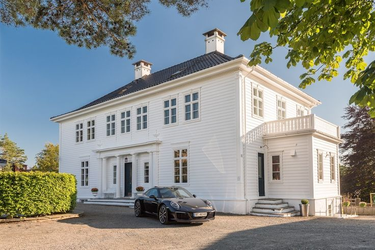 (4) FINN – Paradis - Storslått og herskapelig villa med gjennomført god standard.