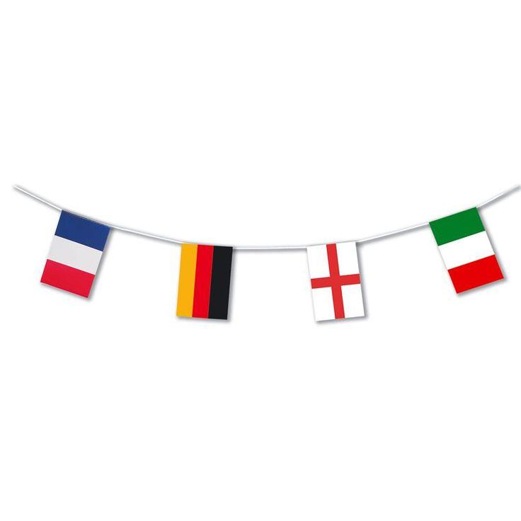 Cette guirlande présente tous les drapeaux des pays participant à l'Euro UEFA de football 2016, elle mesure 10 m de longueur, idéal pour décorer une salle de façon Europe.
