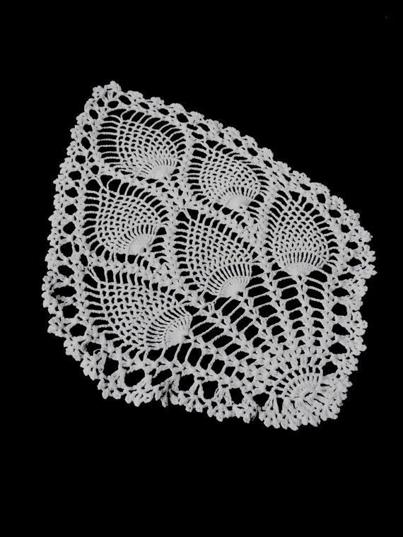 Vintage German Handmade Crocheted Doily With Thistles