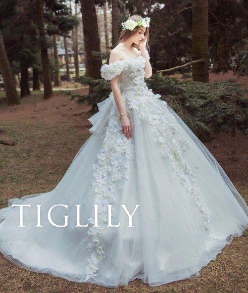 TIGLILY(ティグリリィ)  【ベラ Bella】お花をたくさん使った華やかなホワイトドレス(w326)