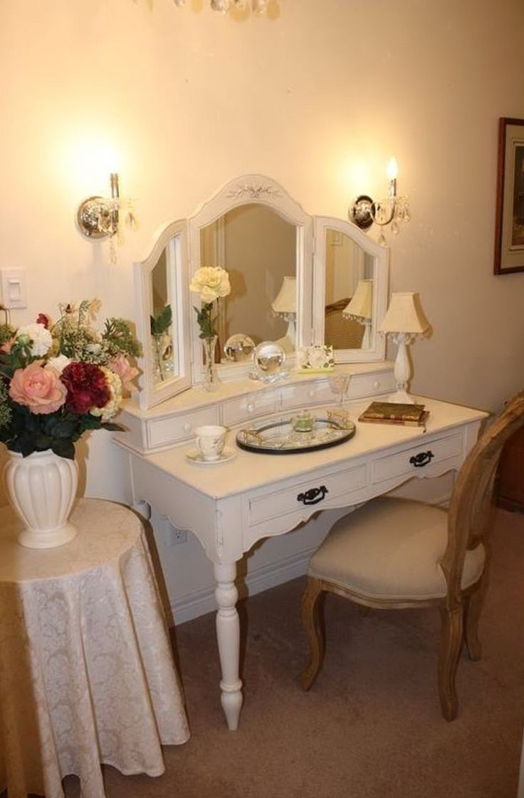 Best 25 Small Vanity Table Ideas On Pinterest Small