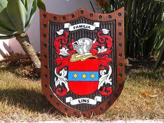 Cursos Online 24 Horas                  Escudo Brasão da Família Lins   Confeccionada em Cedrinho (Erisima Uncinatum)  Dimensões: 40cm ...