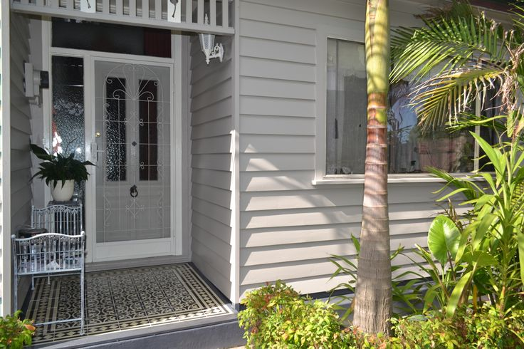View front of house