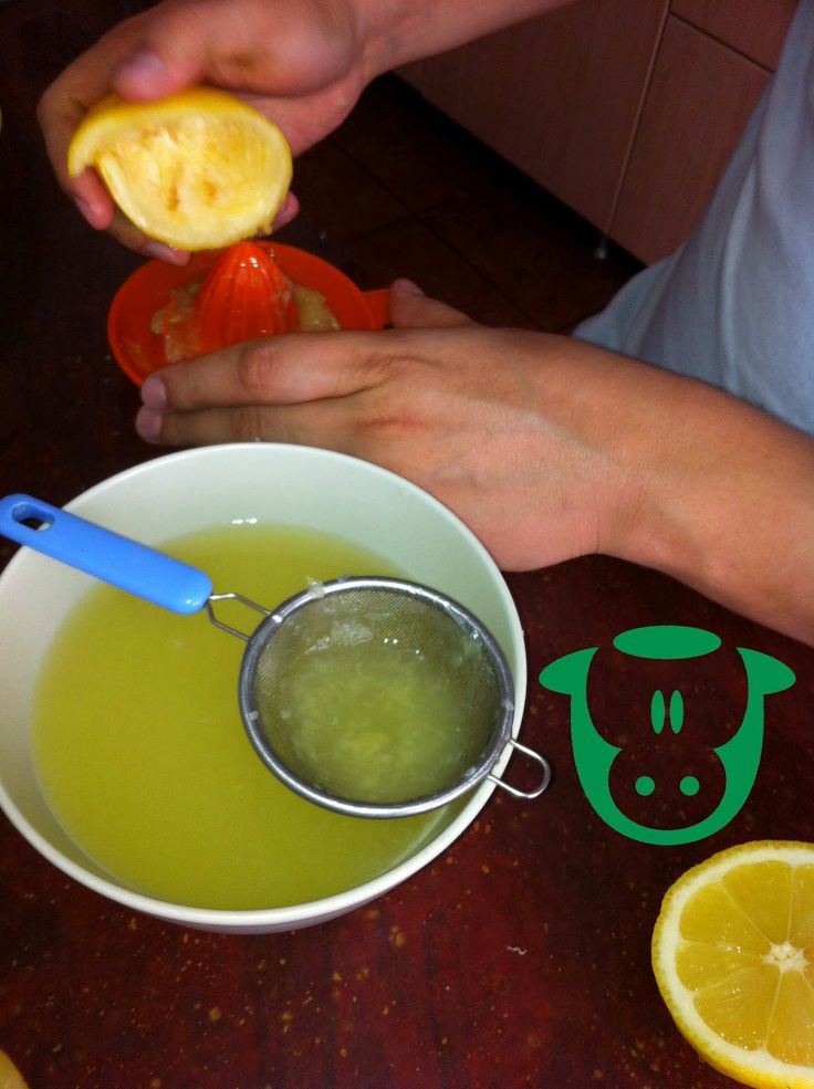 Lemon curd (dulceata de lamaie) un gust surprinzator, dulce si totodata acrisor!