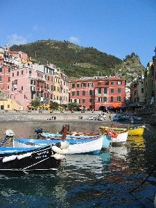 Rick Steves Vernazza We Visited Here And It S A Lovely Place To Eat In Cinque Terre Trip Italy May 2017 Pinterest