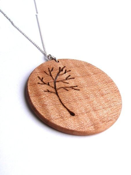 Round Tree #wood #necklace @billywould #cargoh. Very simple but beautifully done. This man does some ineresting stuff in Women's & Men's jewlery & accesories. He doesn't use a Laser cutter / burner either. He also offers for this piece different types of wood too. This is modern Pyrography at its best, no frills certainly but really good just the same ;)