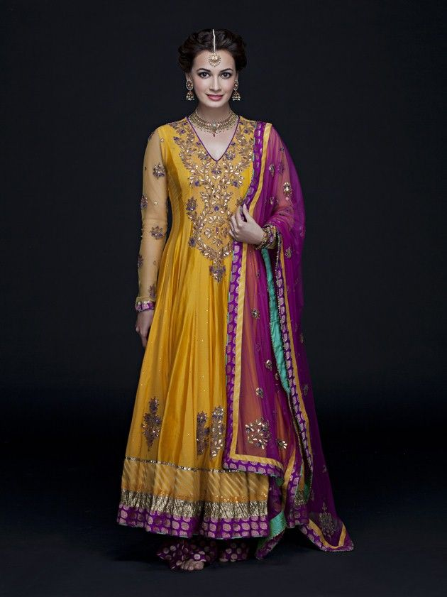 Gorgeous: Dia Mirza in http://www.RituKumar.com/ for her pre-wedding Mehndi Ceremony, 16th Oct, 2014
