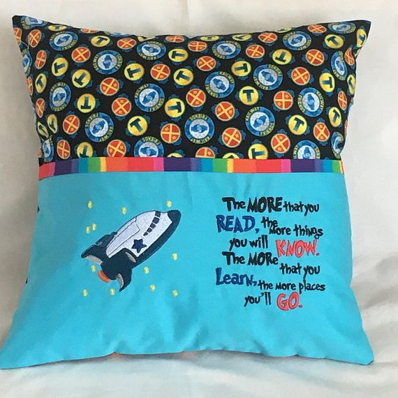 Reading Pillow cover / Cushion cover